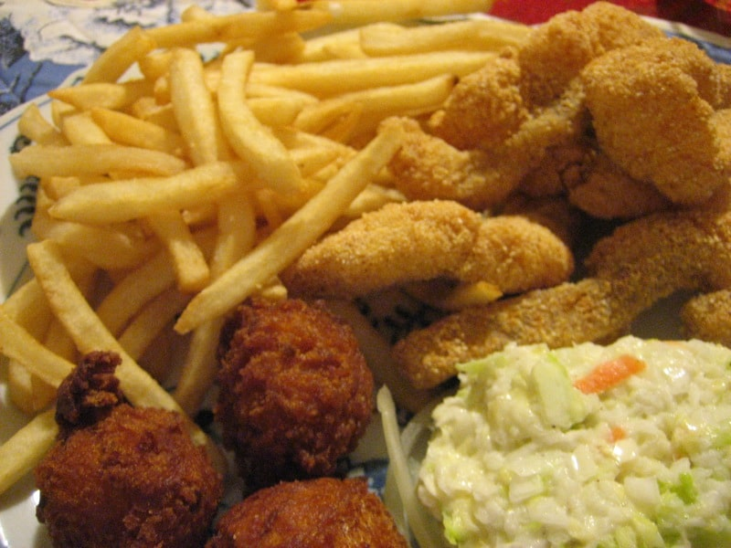 Top 10 restaurants that serve delicious catfish in for Fried fish restaurants