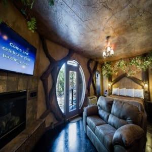 Treehouses hobbits castles eureka springs