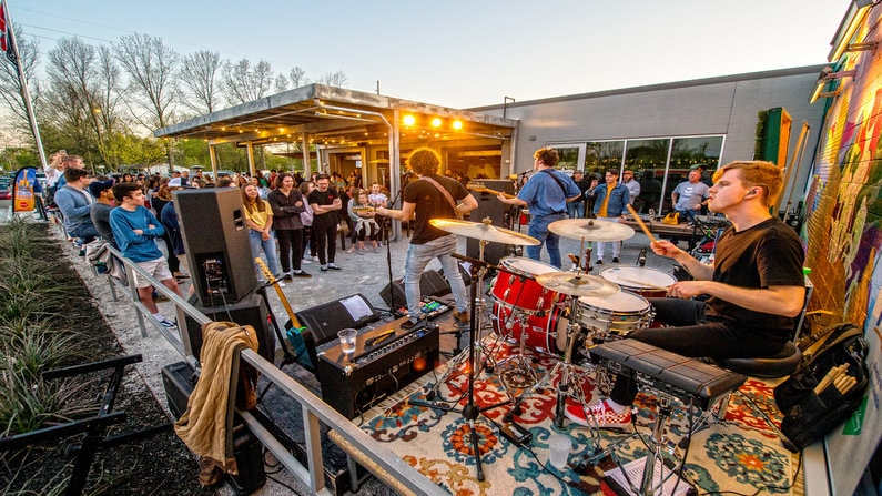 Live Music In Northwest Arkansas This Weekend June 6th – 9th