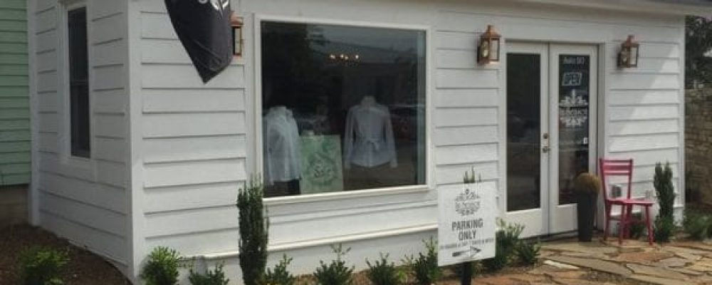 In Season Boutique in Bentonville